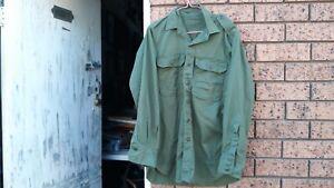 army shirt auss 1967 no holes no tears see photos free post  in Australia
