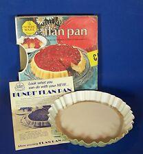 Nordic Ware Bundt Flan Pan Cake Dessert 4 cup size Avocado Green Teflon II