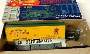 HO Scale Roundhouse Virginia & Truckee Old-Time Billboard Refrigerator Car KIT