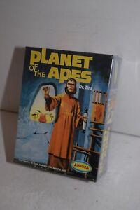 Vintage 2000 Aurora Planet of the Apes Model Kit - Dr. Zira #6804 - Sealed