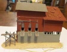 "HO POLA Lighted 5 1/2"" x 3 1/2"" x 5"" Grain Building Excellent Condition-BUILT 2."