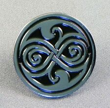 Seal of Rassilon Enamel pin badge. Doctor. Silver and black Celtic knot design