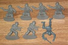 Vintage Toy Plastic Figures SEVEN Gray Soldiers