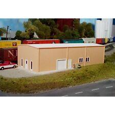 Pikestuff (HO-Scale) #541-0004 Prefab Warehouse 30'x80' (Gray & White) - NIB