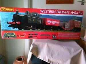 Hornby NEW R1205 Western Freight Hauler train set BNIB