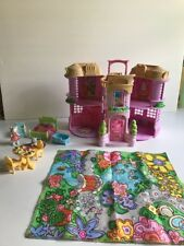FISHER PRICE HIDEAWAY HOLLOW MADDY MONTGOMERY'S TOWNHOUSE COMPLETE + EXTRAS