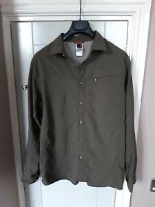 Mens The North face green long sleeve walking/hiking shirt size L