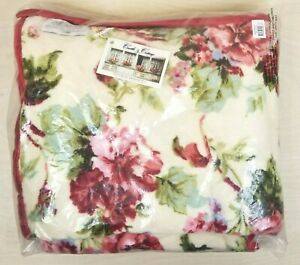 Victorian Trading Co Floral Throw 50 x 62