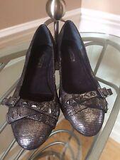 Women's BCBG Generation Flat Fancy Metallic Gray Shoes Size 8M PERFECT!!