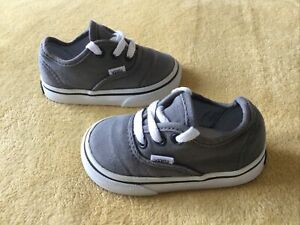 GREAT CONDITION BABY VANS PUMPS SIZE INFANT 4