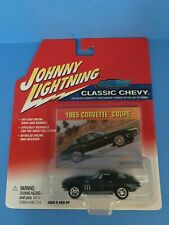 Johnny Lightning Classic Chevy 1965 Corvette Coupe - Green 1:64