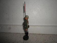 Lineol ELASTOLIN GERMAN standing standarte flag bearer Wehrmacht 7cm