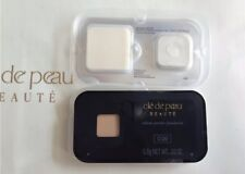 Cle De Peau Beaute Radiant Powder Foundation O20 Sample Size 0.8g With Sponge
