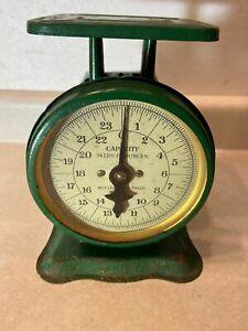 Vintage Montgomery Ward Green Metal Farmhouse[] Scale 24 Pound