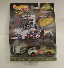 Hot Wheels Racing Pit Crew Collectors Edition 6 Valvoline Mark Martin