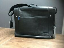 NWT KENNETH COLE BUSI-MESS ESSENTIALS BLACK SINGLE GUSSET LEATHER MESSENGER BAG