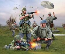 Revell 1/72nd Scale Plastic WWII German Paratroopers Plastic Soldiers 2532 NEW!