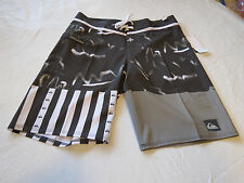 Quiksilver boardshorts 32 board swim shorts trunks Men's Remix the mix 32x20 NEW