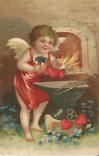 Engel, Liebesgott Amor als Schmied, tolle geprägte Ansichtskarte von 1906