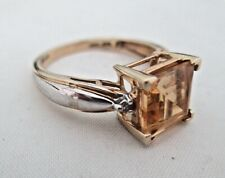 Women's 10K Gold Synthetic Yellow Topaz? Ring Size 7 Weighs 3 grams