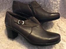 Clarks Women's Brown Leather Ankle Boots Side Zipper 8