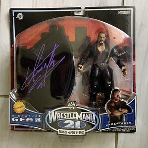 UNDERTAKER Signed WWE Jakks 2004 SIGNATURE GEAR Action Figure & Hat Cert HOLO