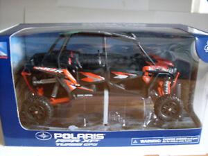 Polaris Rzr XP 4 1000 Titane Orange, Atv Modèle 1:18, NewRay