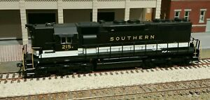 HO ATLAS SD35 SOUTHERN RAILWAY #215 WITH FACTORY SOUND AND DCC KADEES ADDED
