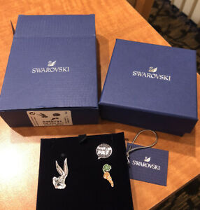 NEW In Box Authentic Swarovski Crystals Looney Tunes Bugs Bunny 3 Pc Tie Pin Set