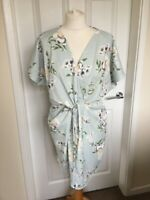 Ladies Missguided Knot Front Floral Dress Pale Green Size 12 V Neck B52