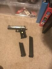 New listing WE Hi-Capa 5.1 Full Metal 1911 Airsoft Gas Blowback Gun One Mag And Extended Mag