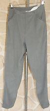 pantalon gris neuf taille 42/44 sur étiquette (largeur de taille 40 cm)