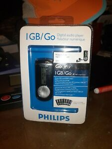 Philips 1GB GoGear Personal MP3 Player stores 460 songs with headphones