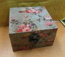 BEAUTIFUL VINTAGE SHABBY CHIC LOOK TRINKET / JEWELLERY BOX ROSE FLOWER DESIGN