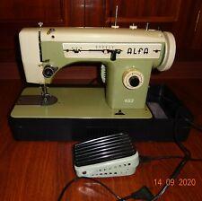 Máquina de coser Alfa 482 con caja, motor y pedal.