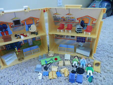 2005 Playmobil Pet Clinic & Accessories & Pets