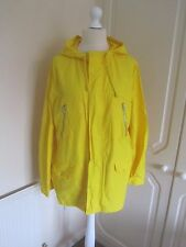 VGC GAP BRIGHT YELLOW LIGHTWEIGHT RAINCOAT SIZE L