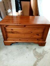 Ducal dark pine rug box CS BA5