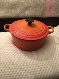GENUINE CLASSIC ORANGE Le Crueset Round 20cm Casserole With Lid