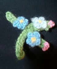 FORGET ME NOT KNITTED BROOCH