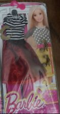 BARBIE COMPLETE LOOK FASHION PACK STRIPED TOP RUBY SKIRT DJT45 *NEW*