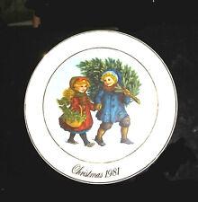 Vintage Avon collector plate 1981 Christmas Memories Sharing Christmas Spirit