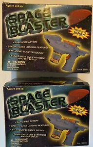 SET of 2 : 1998 SPACE BLASTERS Rapid Fire Action Disc MIN YIN TOYS Light & Sound