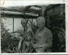 1976 Press Photo Billy & Doris Curry with their transplanted plants - hca26074