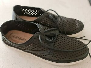 HUSH PUPPIES Ladies Shoes - Black - Size 8 - 'AS NEW COND'