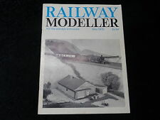 Railway Modeller Magazine - May 1970 - Malvern, Coachbuilding, Coach Lighting.