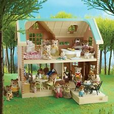 Brand New SYLVANIAN FAMILIES Larchwood Lodge ~ Gorgeous Kids Dolls House