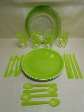 Lot of 4 Picnic Lime Green Acrylic Outdoor Place Settings & Platter
