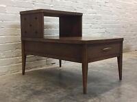 BROYHILL SAGA MID-CENTURY MODERN 2-TIER END TABLE / NIGHTSTAND ~ ATOMIC LOOK