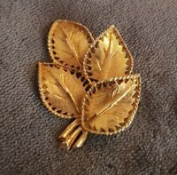 Vintage Brooch Pin Goldtone Lapel Pin ornate Leaves Nature bunch cluster